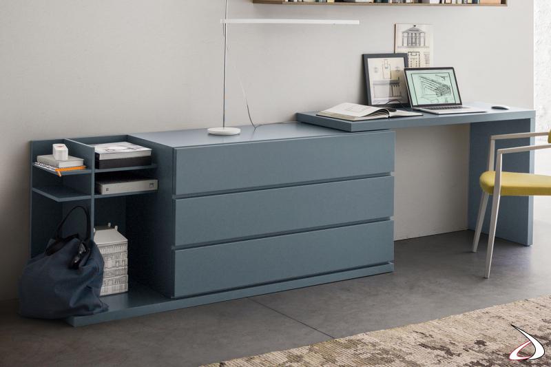 Comò moderno di design minimalista, con tre cassetti, vani a giorno e con optional scrivania