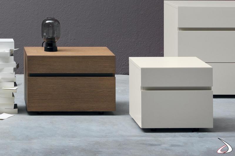 Comodino moderno a 2 cassetti in legno o in laccato con maniglia orizzontale