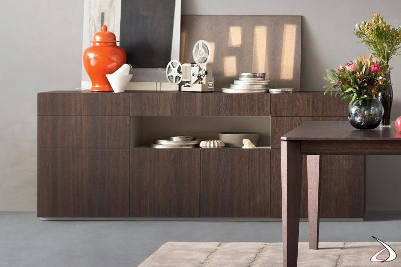 Credenza in legno di design con ante, cassetti e vano a giorno