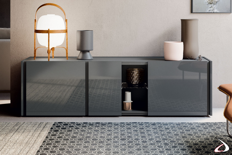 Credenza di design da soggiorno in laccato lucido con ante e vano a giorno