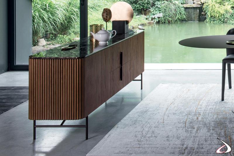 Credenza di design da soggiorno in legno massello di noce con piano top in marmo emperador lucido
