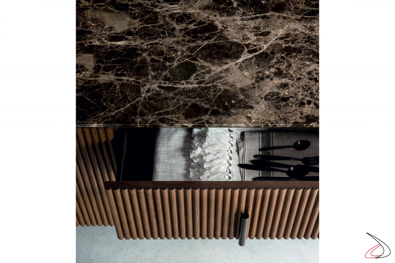 Credenza di design made in Italy con cassetti e piano top in marmo emperador lucido