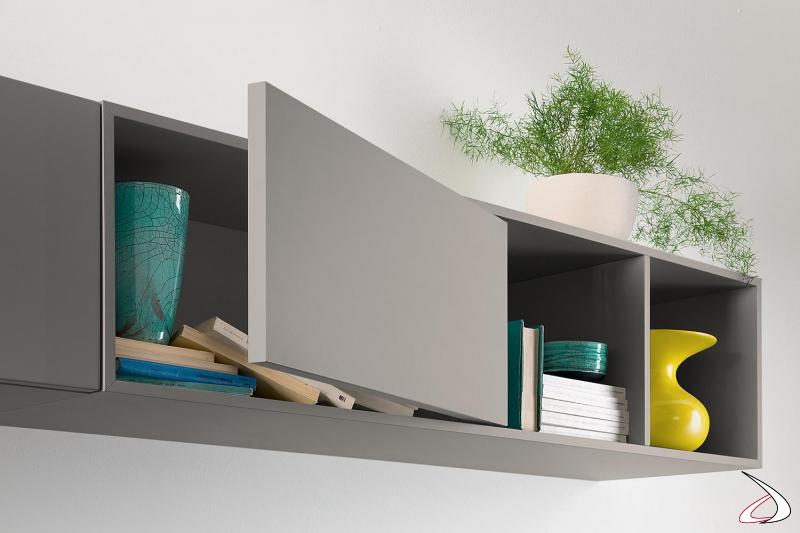 Parete soggiorno moderna in laccato opaco con pensili orizzontali
