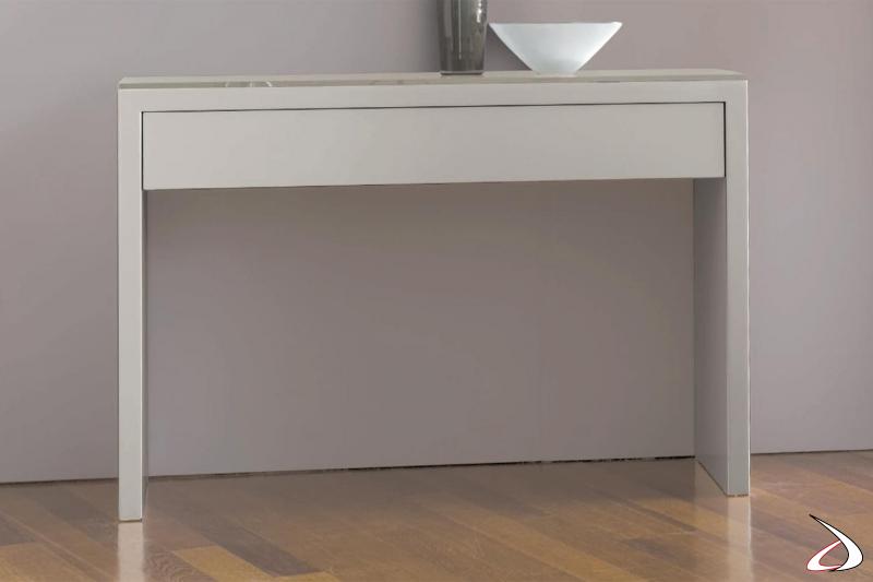 Consolle da ingresso moderna in laccato lucido con cassetto svuota tasche e piano top in cristallo
