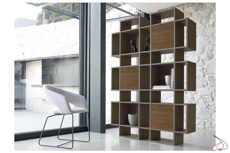 Mobile libreria di design in legno