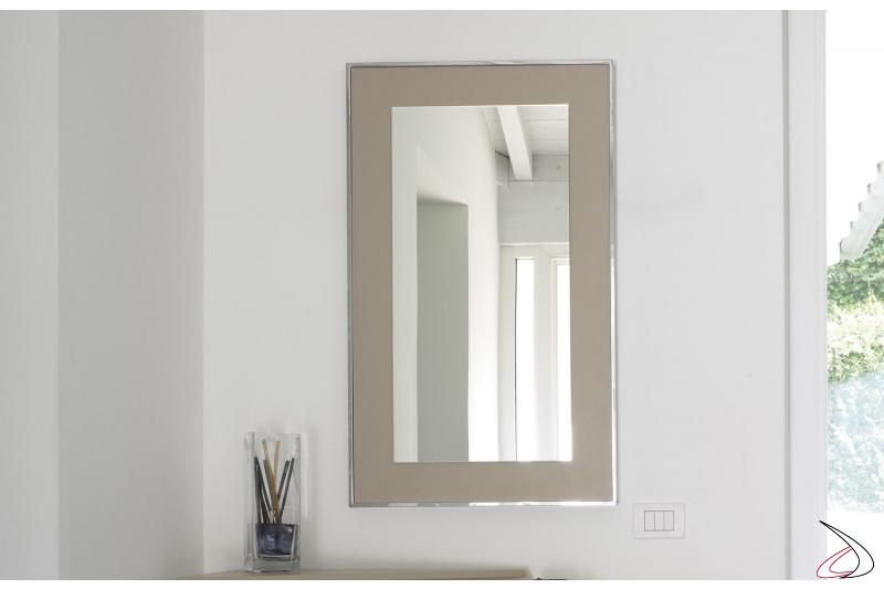 Specchio da ingresso di design con cornice