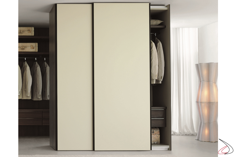 Cabinet with 2 sliding doors