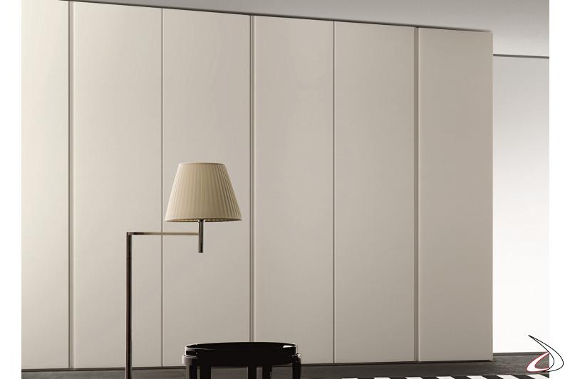 Modular wardrobe with hinged doors