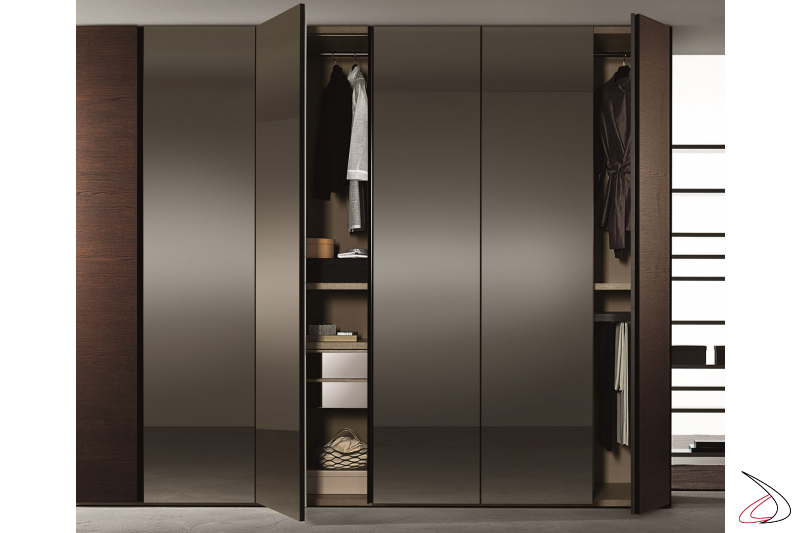 Modular design cabinet with internal drawers