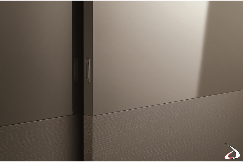 Contemporary wardrobe with hidden handle