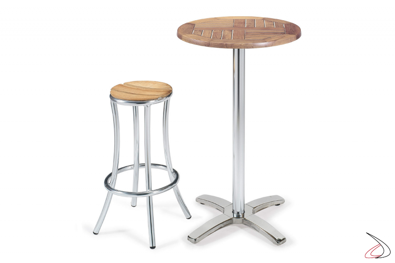 Arredo bar con tavolo e sgabello a doghe in legno teak