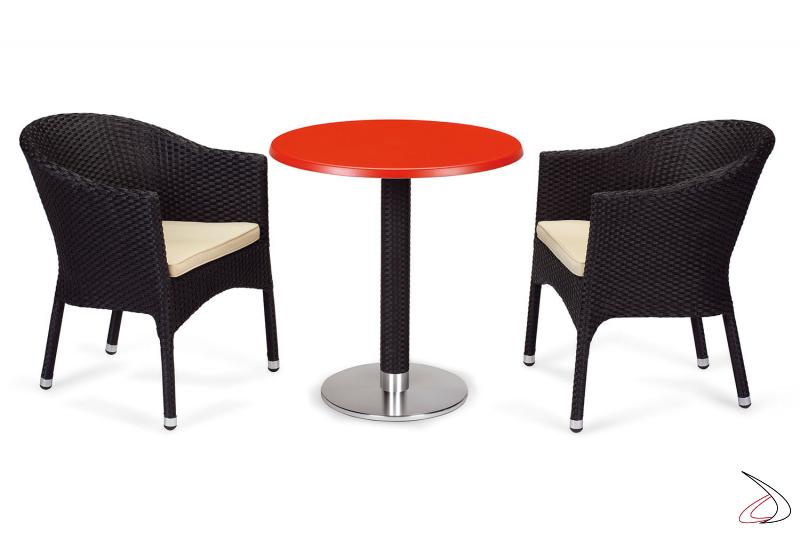 Arredo da veranda con tavolo e sedie colore antracite