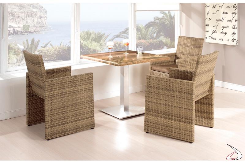 Arredo veranda con sedie e tavolo colore moka