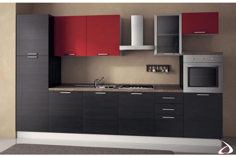 Cucina lineare di design con semicolonna forno