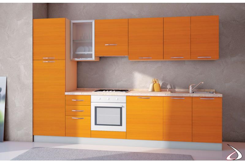 Cucina moderna bloccata lineare colorata