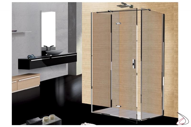 Box doccia tre lati in cristallo con porta battente