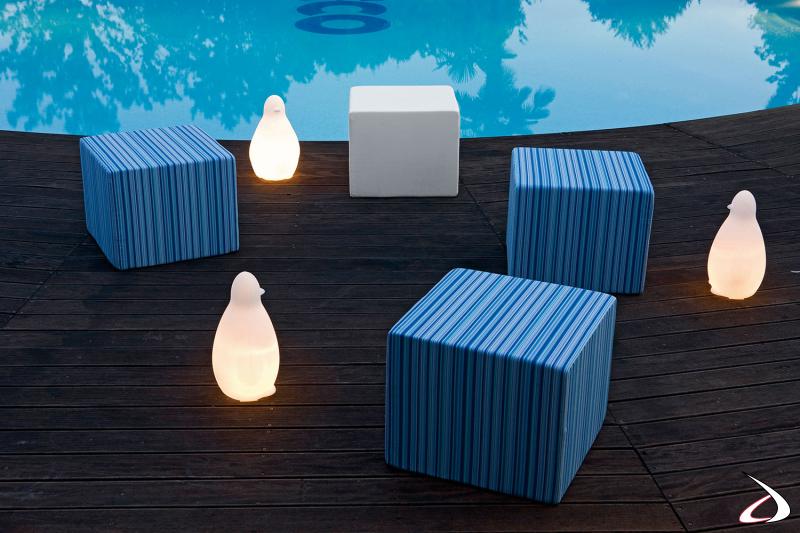 Elementi per composizione divano a bordo piscina modello Formentera
