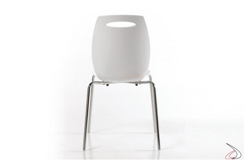 Sedia Bip di Colico disegnata da W&D con gambe cromate e seduta bianca
