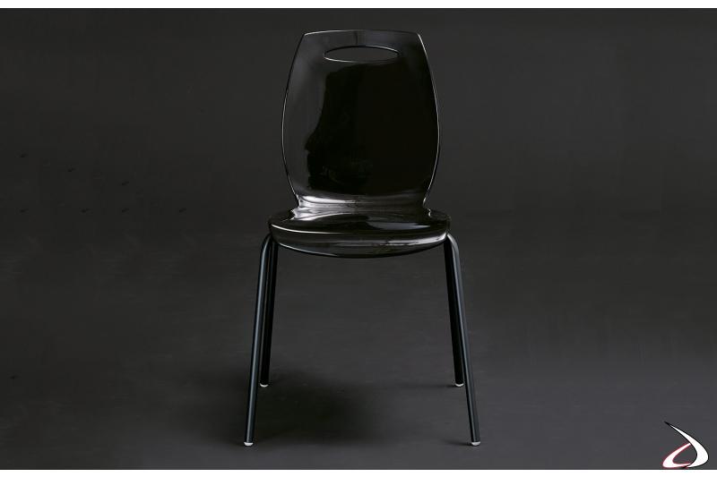 Sedia made in Italy con gambe in acciaio e seduta in tecnopolimero nero assoluto