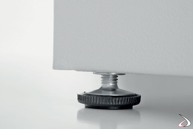 Mobile lavatoio in metallo zincato con piedini regolabili
