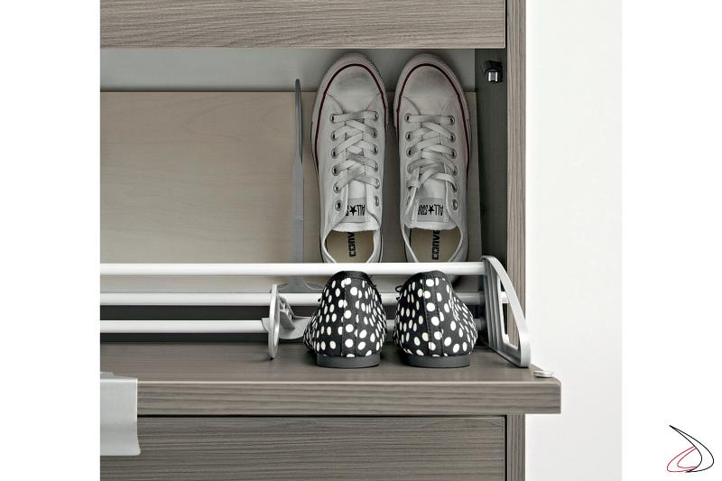 Mobile porta scarpe poco profondo con ante a ribalta