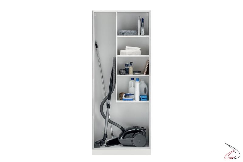 Lavanderia su misura con armadio porta scope