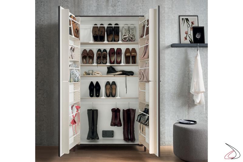 Scarpiera moderna con ripiani interni e asta porta stivali con sanificatore