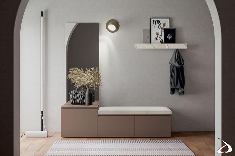 Mobile ingresso moderno attrezzato con cassetti, cuscino imbottito, specchio e mensola con appendiabiti