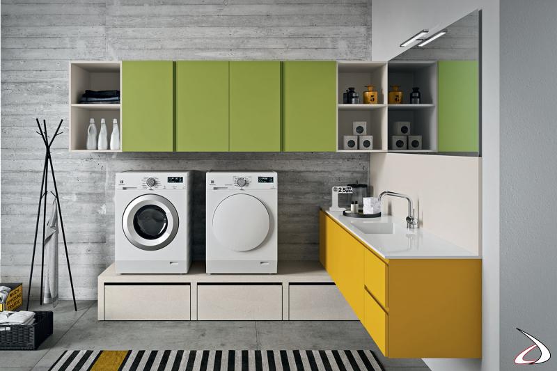 Lavanderia di design con panca porta lavatrice e asciugatrice con cesti su ruote porta biancheria