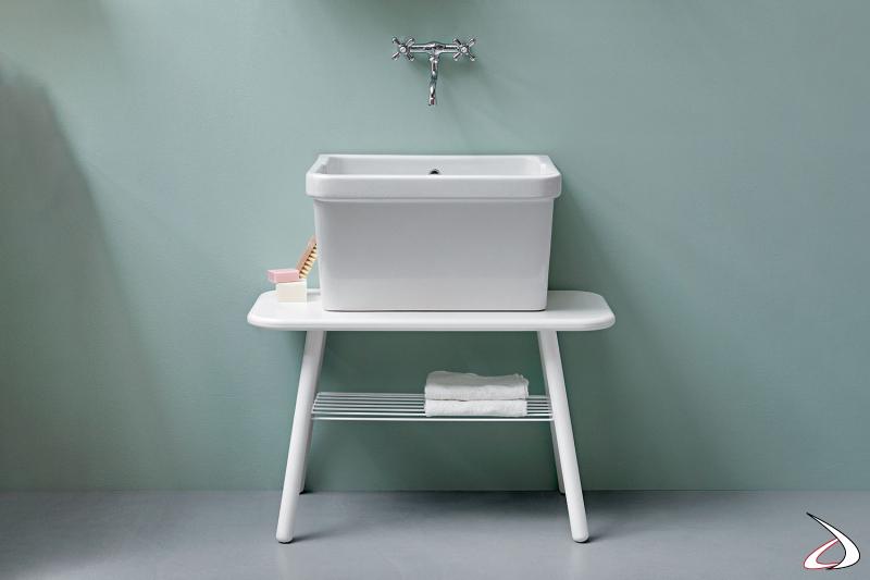 Panca con griglia porta asciugamani da lavanderia con lavatoio in ceramica