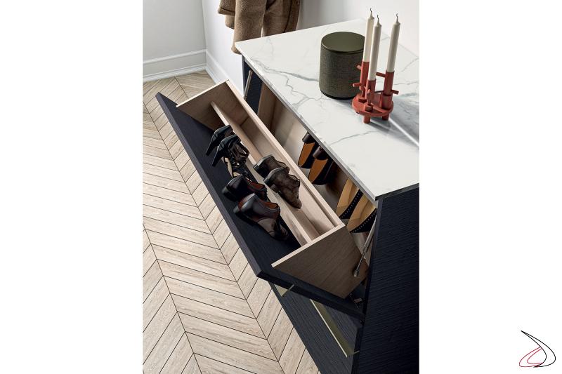 Mobile ingresso di design con portascarpe ad ante a ribalta e top in gres porcellanato