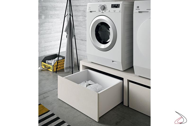 Arredo lavanderia ad angolo moderna con panca porta lavatrice con cesti su ruote porta biancheria