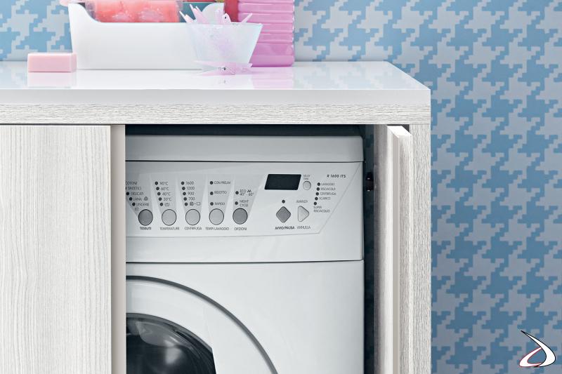 Mobile da lavanderia con ante a scomparsa porta lavatrice