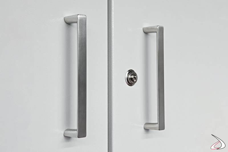 Armadio multiuso in metallo zincato con chiusura a chiave