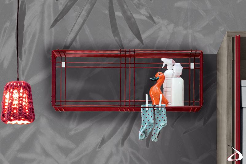 Stendino a parete rosso da lavanderina di design