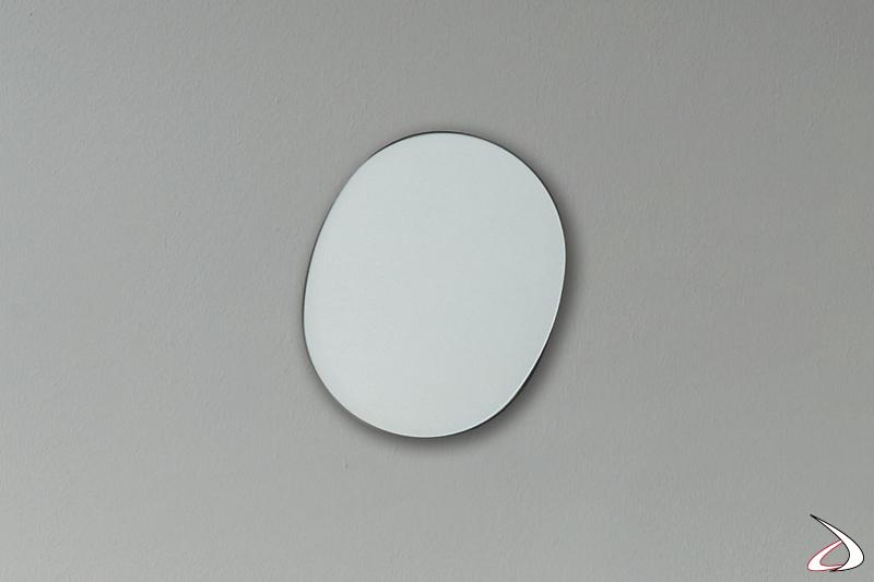 Specchio piccolo sagomato di design d'arredo
