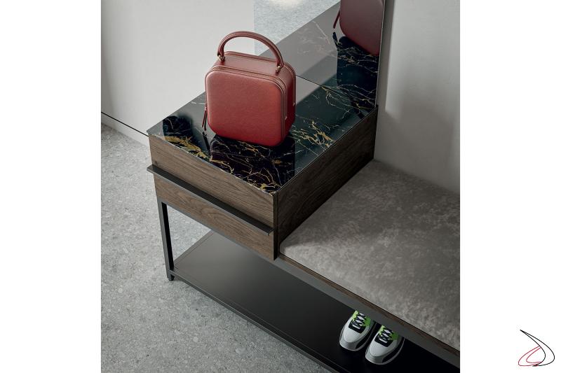 Mobile ingresso con panca imbottita e cassetto svuotatasche con top in gres porcellanato