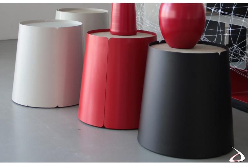 Tavolino conico di design in metallo