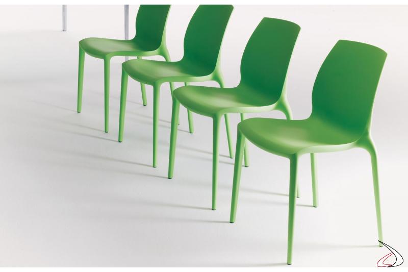 Sedie in plastica colorata Hidra impilabili