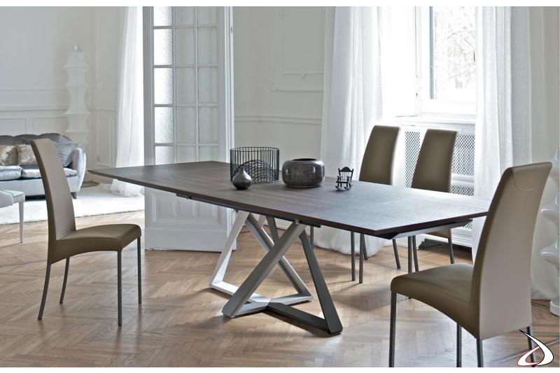 Sedie di design in pelle fango con tavolo Millennium