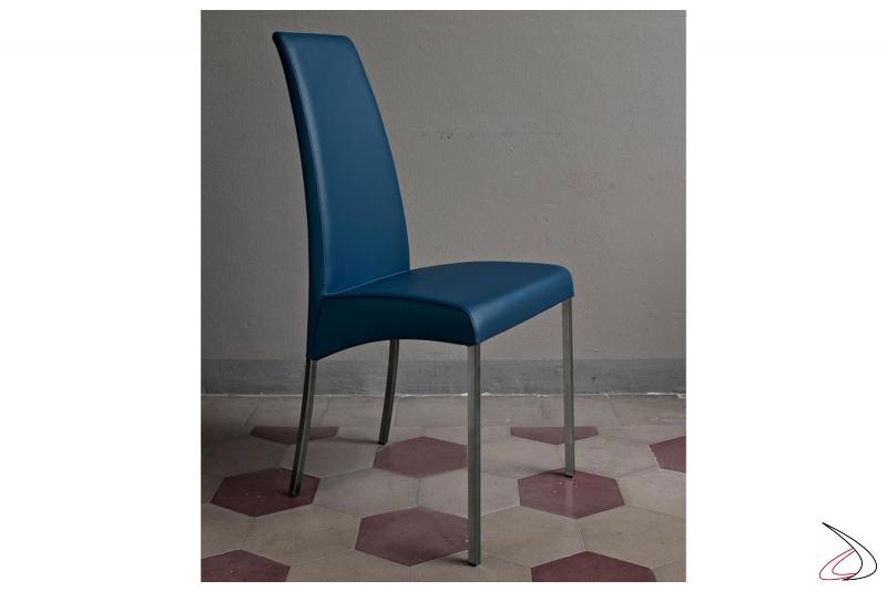 Sedia con gambe acciaio laccato argento naturale, seduta pelle premium blu