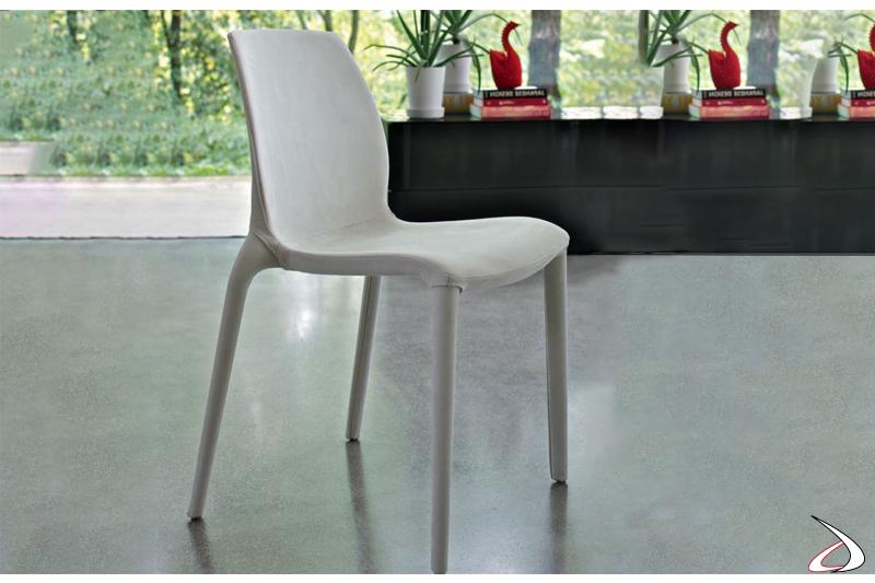 Sedia con struttura in polipropilene rivestita in waterproof nabuk bianco