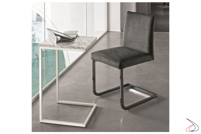 Sedia modello Hisa di Bontempi rivestita in waterproof nabuk antracite