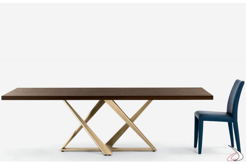Sedia in pelle premium avio e tavolo Millennium con struttura oro