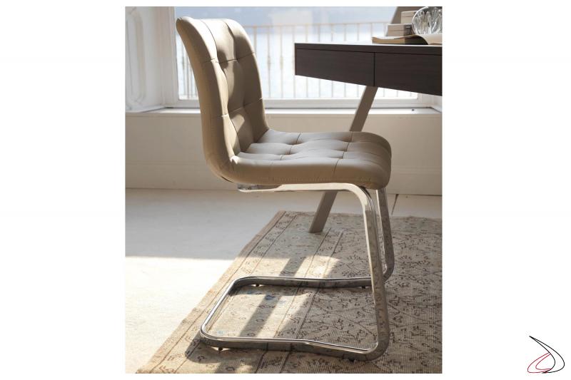 Sedia design su slitta Kuga da soggiorno