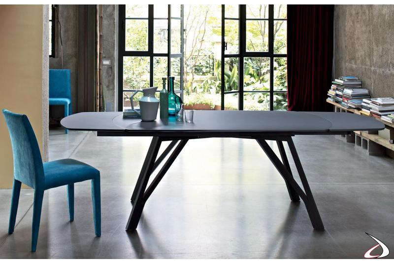 Sedia modello Sofia con tavolo Wonder di Bontempi
