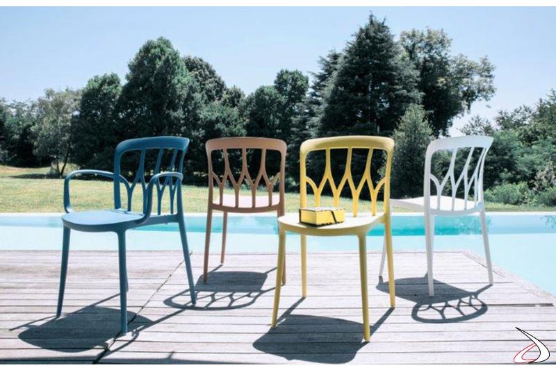 Sedie armoniose e colorate adatte all'outdoor, come all'ambiente casa
