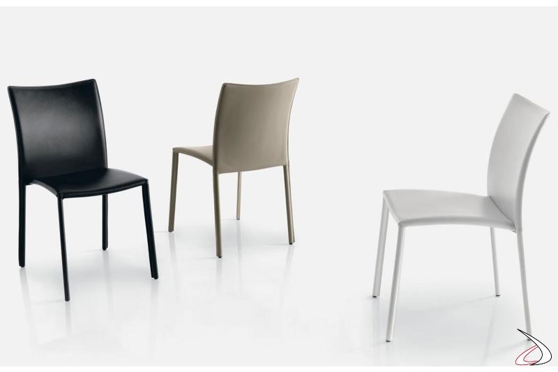 Sedie con struttura in acciaio rivestita in varie finiture e colori
