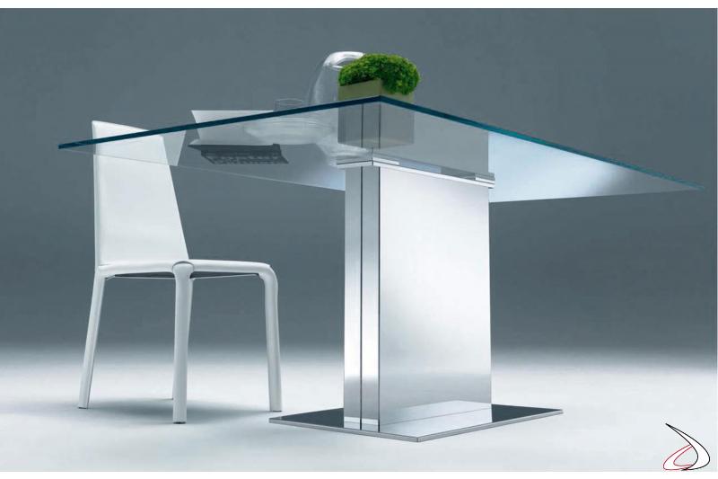 Sedia Alice in cuoio bianco con tavolo Oasi piano vetro