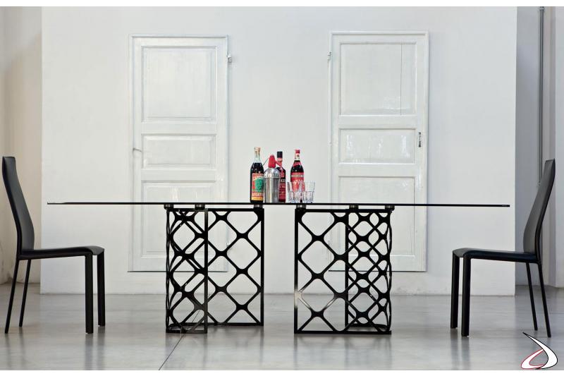 Sedie Dalila nere con tavolo Majesty di Bontempi